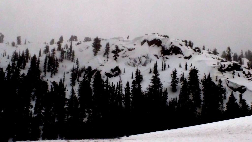 "Numerous <a href=""http://www.sierraavalanchecenter.org/avalanche-terms/wind-slab"" title=""A cohesive layer of snow formed when wind deposits snow onto leeward terrain. Wind slabs are often smooth and rounded and sometimes sound hollow."" class=""lexicon-term"">wind slab</a> and <a href=""http://www.sierraavalanchecenter.org/avalanche-terms/deep-slab-avalanche"" title=""Avalanches that break deeply into old weak layers of snow that formed some time ago."" class=""lexicon-term"">deep slab</a> <a href=""http://www.sierraavalanchecenter.org/avalanche-terms/avalanche"" title=""A mass of snow sliding, tumbling, or flowing down an inclined surface."" class=""lexicon-term"">avalanches</a> near Frog Lake."