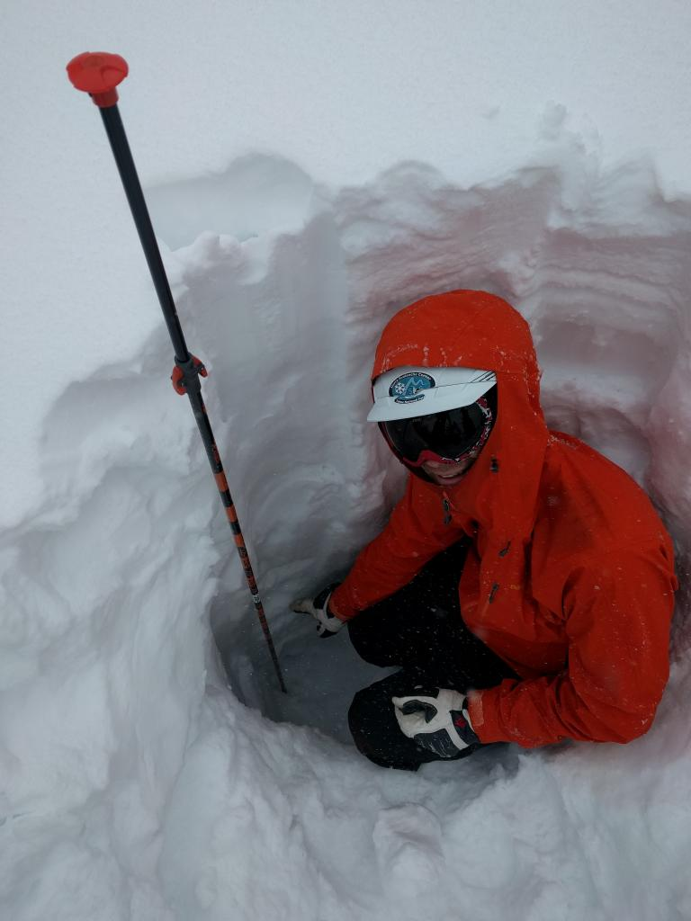 Pointing at the depth of non-refrozen wet snow all the way down to 120 cm.