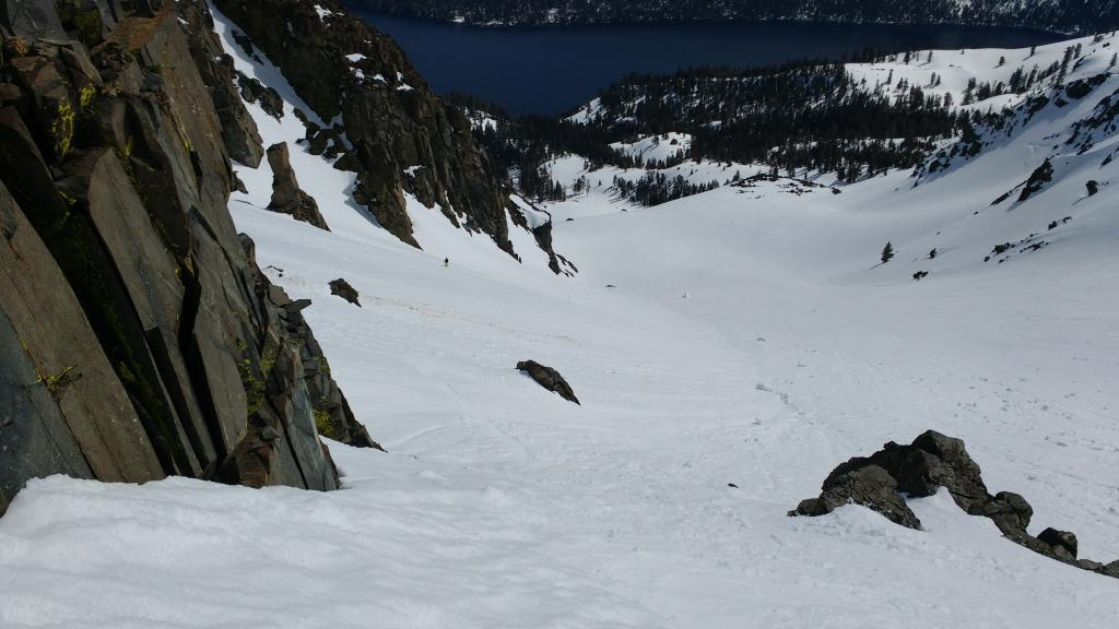 "Looking downslope on E-SE <a href=""https://www.sierraavalanchecenter.org/avalanche-terms/aspect"" title=""The compass direction a slope faces (i.e. North, South, East, or West.)"" class=""lexicon-term"">aspect</a>, 8000'."
