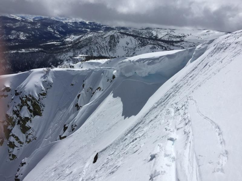 "Part of the <a href=""https://www.sierraavalanchecenter.org/avalanche-terms/crown-face"" title=""The top fracture surface of a slab avalanche. Usually smooth, clean cut, and angled 90 degrees to the bed surface."" class=""lexicon-term"">crown</a>."