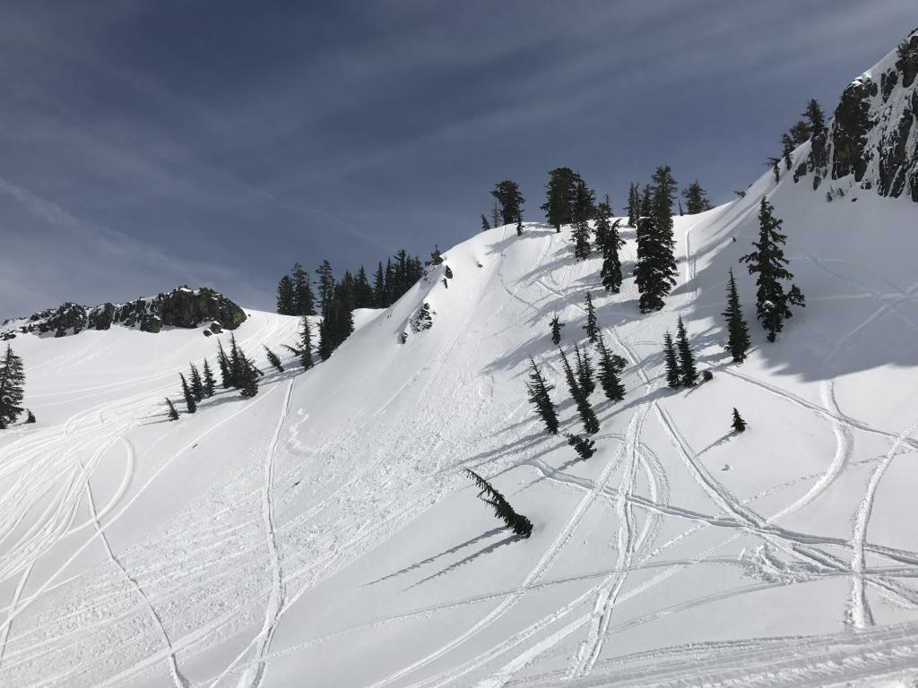 "Storm <a href=""https://www.sierraavalanchecenter.org/avalanche-terms/slab"" title=""A relatively cohesive snowpack layer."" class=""lexicon-term"">Slab</a> Release Snowmobile <a href=""https://www.sierraavalanchecenter.org/avalanche-terms/trigger"" title=""A disturbance that initiates fracture within the weak layer causing an avalanche. In 90 percent of avalanche accidents, the victim or someone in the victims party triggers the avalanche."" class=""lexicon-term"">Trigger</a>"