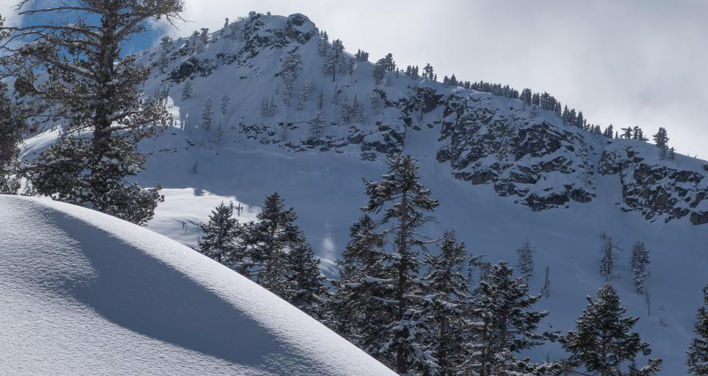 "Large <a href=""https://www.sierraavalanchecenter.org/avalanche-terms/deep-slab-avalanche"" title=""Avalanches that break deeply into old weak layers of snow that formed some time ago."" class=""lexicon-term"">deep slab</a> that failed during the storm"