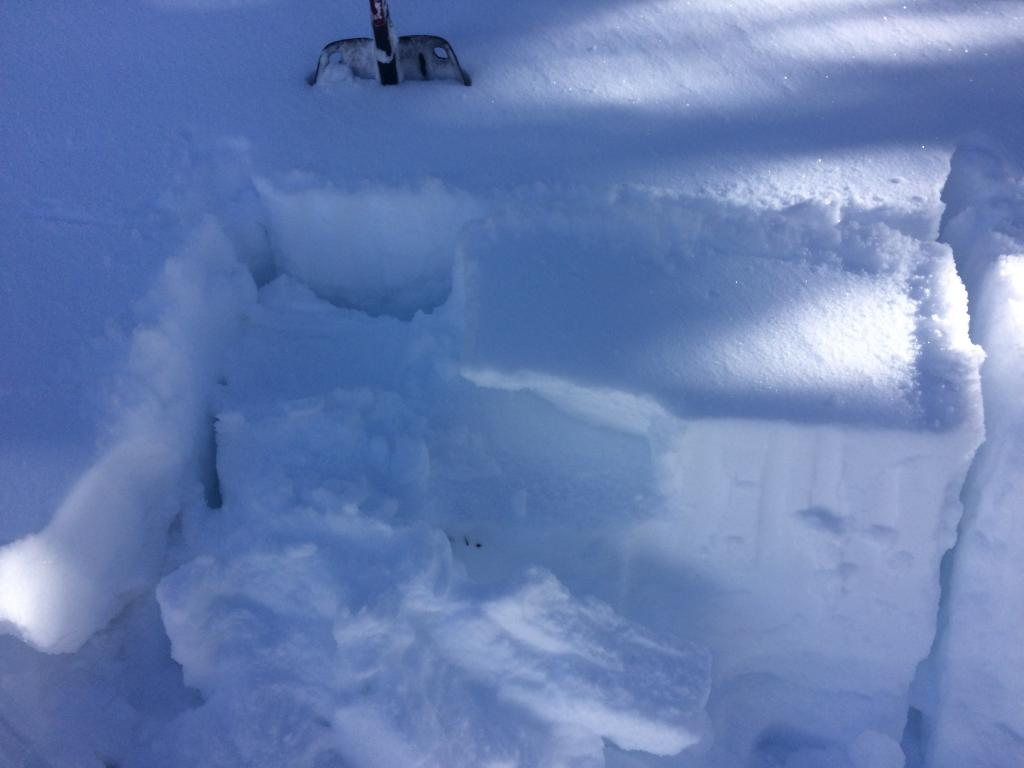 """ECTN 12 @ the new windslab <a href=""""/avalanche-terms/snow-layer"""" title=""""A snowpack stratum differentiated from others by weather, metamorphism, or other processes."""" class=""""lexicon-term"""">layer</a>."""