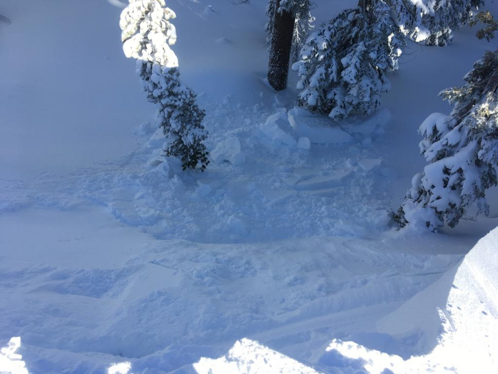 """<a href=""""https://www.sierraavalanchecenter.org/avalanche-terms/cornice"""" title=""""A mass of snow deposited by the wind, often overhanging, and usually near a sharp terrain break such as a ridge. Cornices can break off unexpectedly and should be approached with caution."""" class=""""lexicon-term"""">Cornice</a> break in response to a wicked splitboard kick."""
