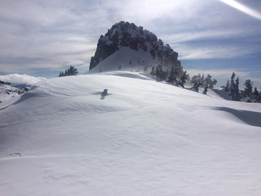 Strong winds and wind transport on Needle Peak this morning