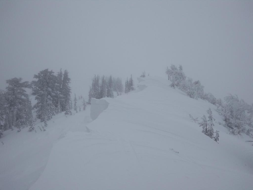 Large and fragile cornices along ridgeline.