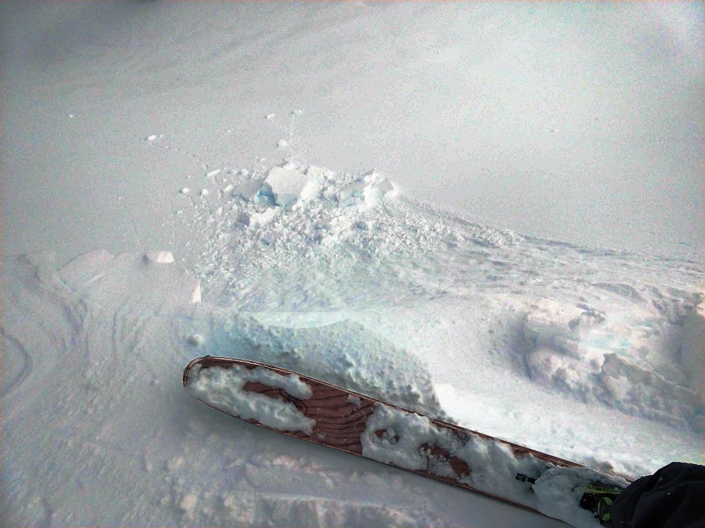 """Small <a href=""""/avalanche-terms/cornice"""" title=""""A mass of snow deposited by the wind, often overhanging, and usually near a sharp terrain break such as a ridge. Cornices can break off unexpectedly and should be approached with caution."""" class=""""lexicon-term"""">cornice</a> dropped on a small wind-<a href=""""/avalanche-terms/loading"""" title=""""The addition of weight on top of a snowpack, usually from precipitation, wind drifting, or a person."""" class=""""lexicon-term"""">loaded</a> test slope with no additional results."""
