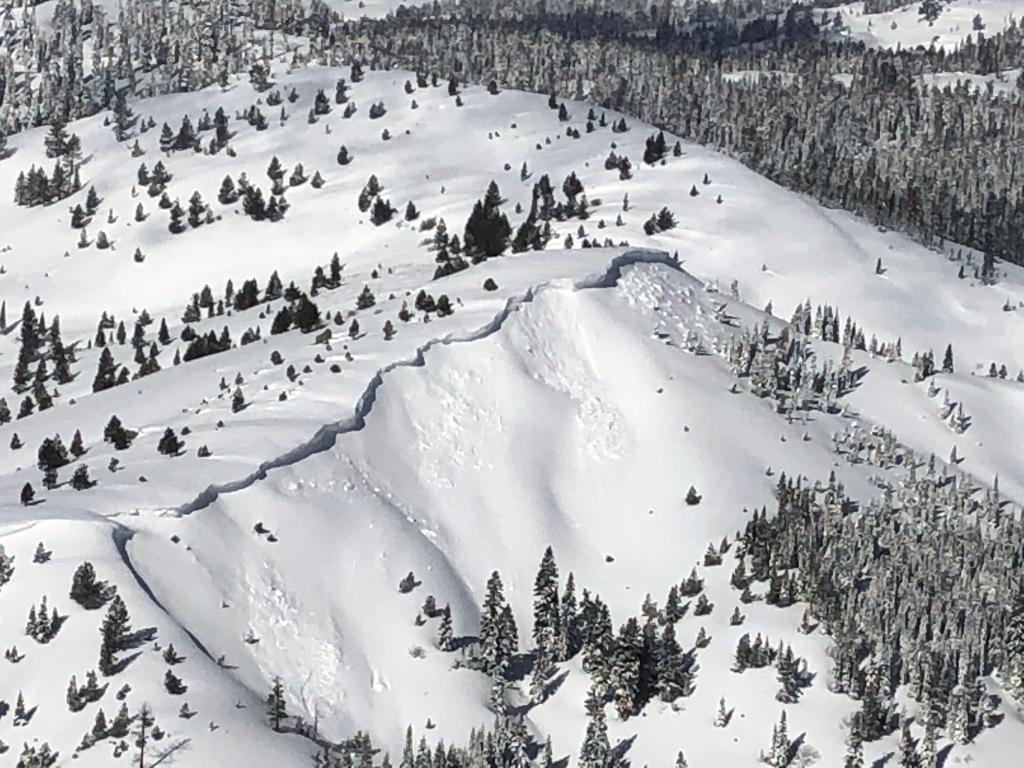 """<a href=""""https://www.sierraavalanchecenter.org/avalanche-terms/cornice"""" title=""""A mass of snow deposited by the wind, often overhanging, and usually near a sharp terrain break such as a ridge. Cornices can break off unexpectedly and should be approached with caution."""" class=""""lexicon-term"""">Cornice</a> <a href=""""https://www.sierraavalanchecenter.org/avalanche-terms/collapse"""" title=""""When the fracture of a lower snow layer causes an upper layer to fall. Also called a whumpf, this is an obvious sign of instability."""" class=""""lexicon-term"""">collapses</a>"""