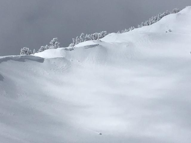 East Ridge of Tamarack Peak with cornices and some recent NE wind scouring.