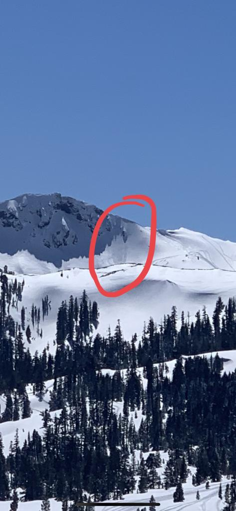 "Close up of what appeared to be a small <a href=""https://www.sierraavalanchecenter.org/avalanche-terms/avalanche"" title=""A mass of snow sliding, tumbling, or flowing down an inclined surface."" class=""lexicon-term"">avalanche</a>."