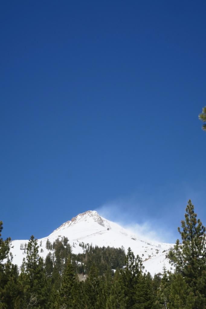 Impressive blowing snow on Stevens Peak