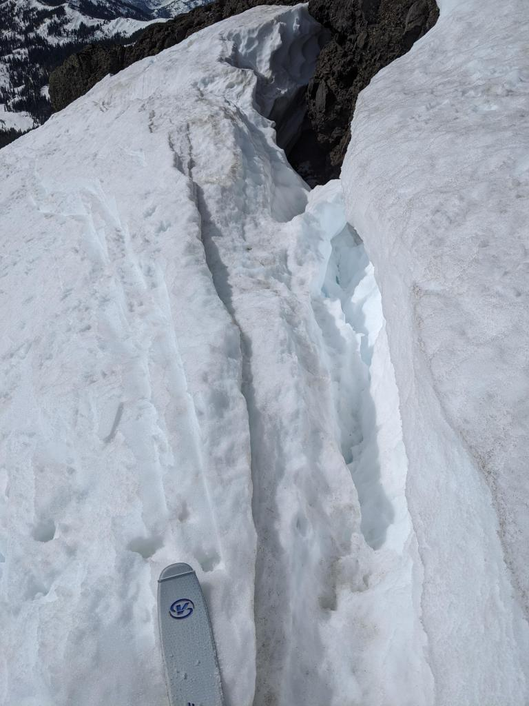 Large cracks along the backside of cornices